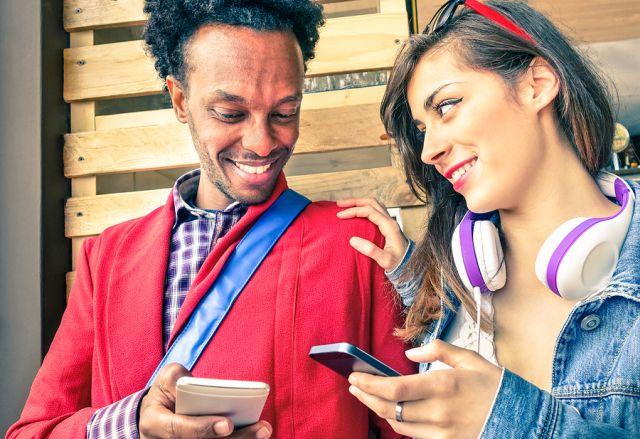 Lifeline Free Government Phone Couple